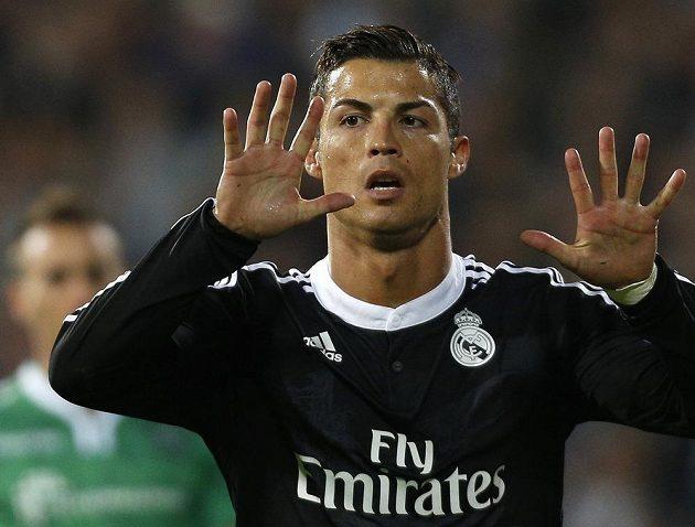 Cristiano Ronaldo z Realu Madrid slaví gól v utkání Ligy mistrů proti Ludogorci Razgrad.