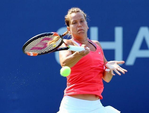 Barbora Strýcová si na úvod US Open poradila s mladou Švýcarkou Timeou Bacsinszkou, které dala ve druhém setu kanára.