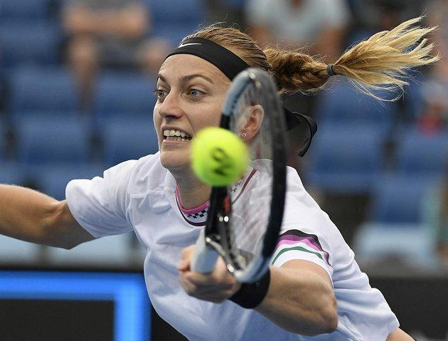 Pohodový postup ve dvou setech. Petra Kvitová si po čtyřech letech zahraje na tenisovém Australian Open třetí kolo.