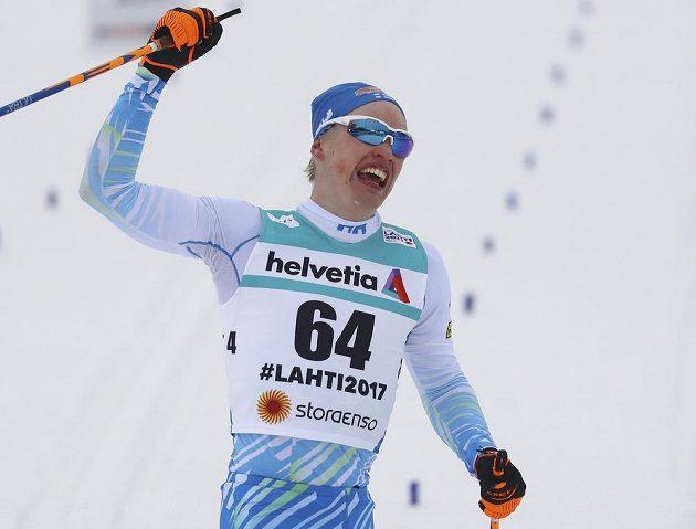 Radost v cílí vítězného domácího závodníka Iivo Niskanena.
