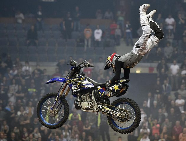 Vitěz exhibice ve freestyle motokrosu FMX Gladiator GamesDavid Rinaldo z Francie.