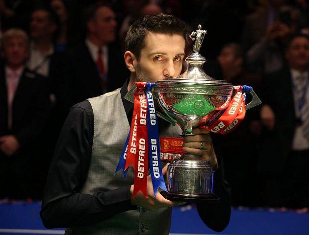 Světová jednička Mark Selby je podruhé v kariéře mistrem světa ve snookeru.