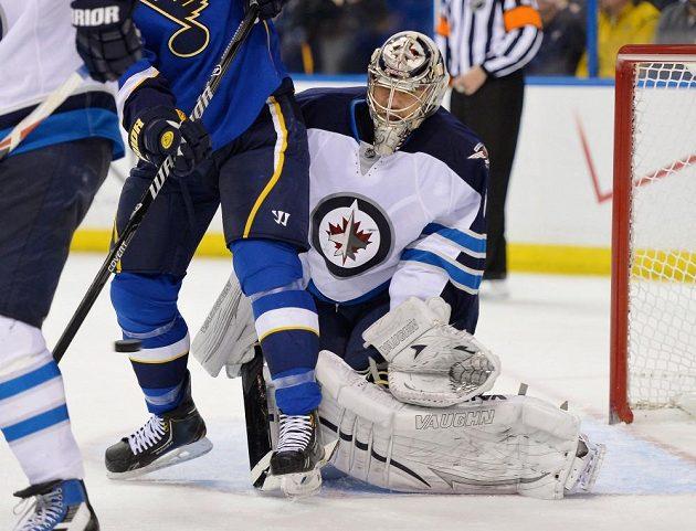 Brankář Ondřej Pavelec odchytal celé utkání, ale prohře Winnipegu nezabránil.