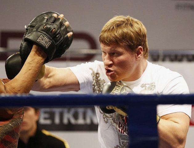 Rus Alexander Povětkin se pokusí sesadit z trůnu Vladimira Klička.