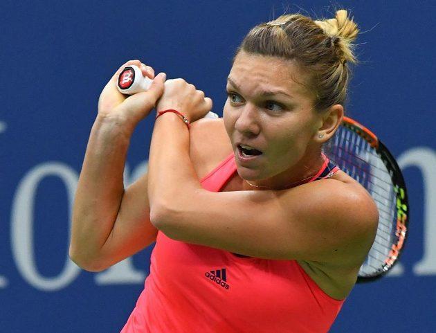 Simona Halepová z Rumunska při utkání 2. kola US Open s Lucií Šafářovou.