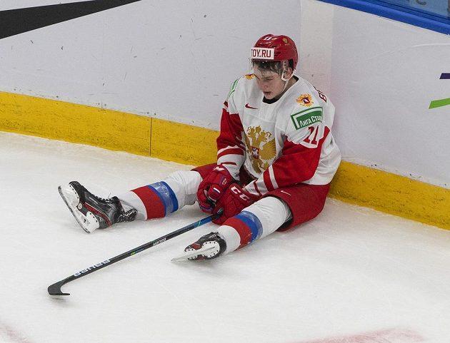 Ruský hokejista Zakhar Bardakov po zápase o bronz s Finskem. Sborná skončila po porážce 1:4 čtvrtá, tedy bez medaile.