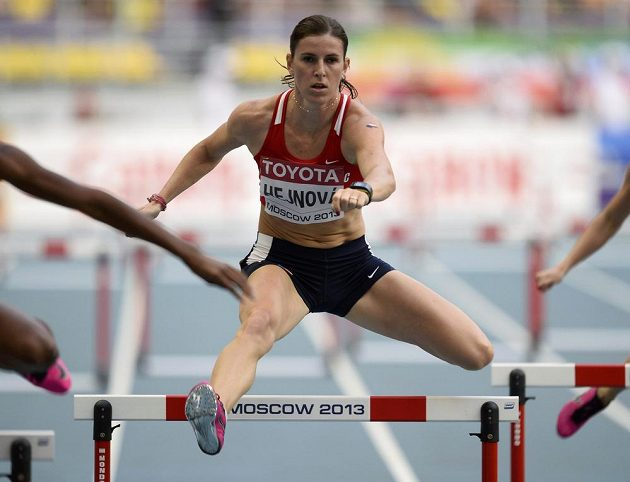 Zuzana Hejnová v semifinálovém závodu na 400 metrů překážek.