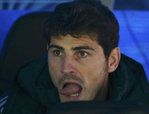 Také Iker Casillas, náhradní brankář Realu Madrid, odvetné semifinálové utkání Ligy mistrů na lavičce silně prožíval.