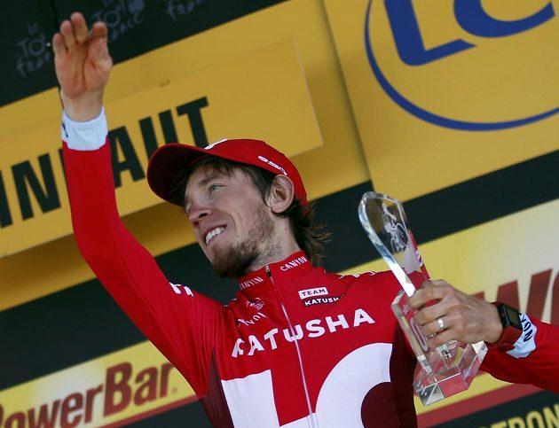 Ilnur Zakarin slaví vítězství v 17. etapě Tour de France.