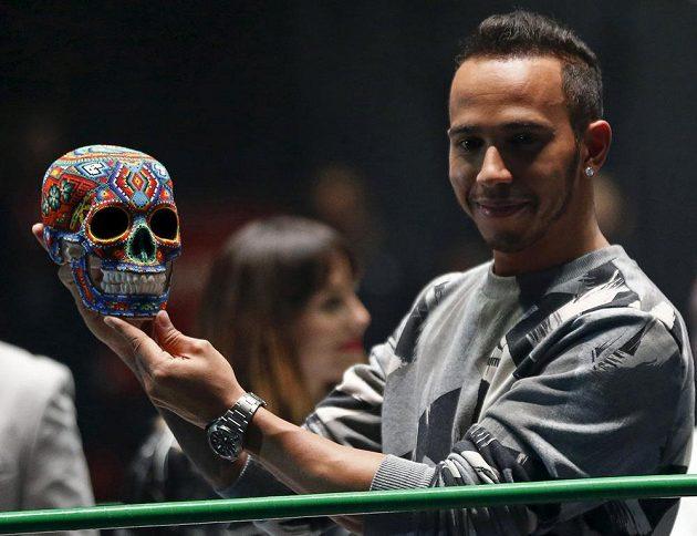 Státní svátek - Den mrtvých - Mexičané oslaví již tento víkend, tou dobou už bude Lewis Hamilton v kokpitu svého mercedesu bojovat na trati v Mexico City o co nejlepší umístění.