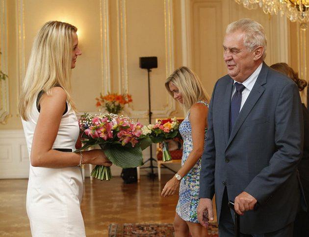 Prezident republiky Miloš Zeman přijal na Pražském hradě české tenistky, mezi nimi i vítězku Wimbledonu 2014 Petru Kvitovou.