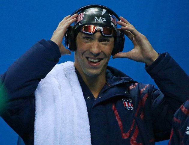 Michael Phelps před startem štafety na 4x100 metrů.
