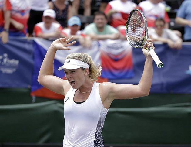 Eufoická reakce Coco Vandewegheové po vítězství nad Markétou Vondroušovou.