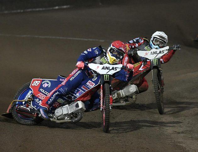 Grand Prix České republiky, závod MS na ploché dráze. V akci Emil Sajfutdinov z Ruska.