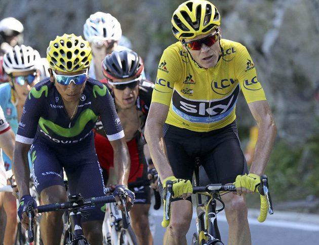 Chris Froome (vpravo) v 17. etapě Tour de France zase unikl svému rivalovi Nairu Quintanovi.