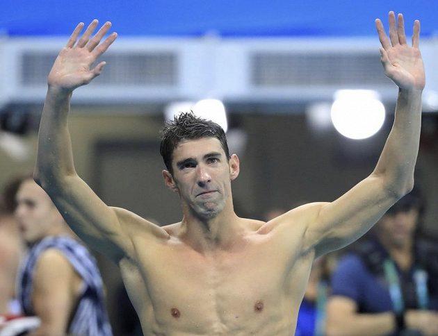 Dojatý Michael Phelps zdraví fanoušky v Riu.