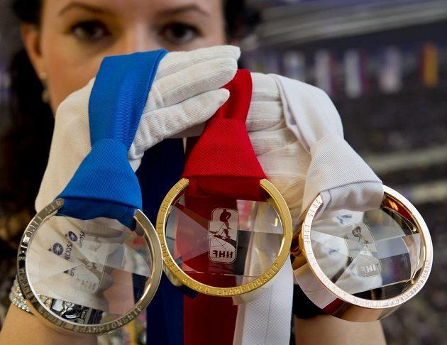 Medaile pro hokejové MS v Praze.