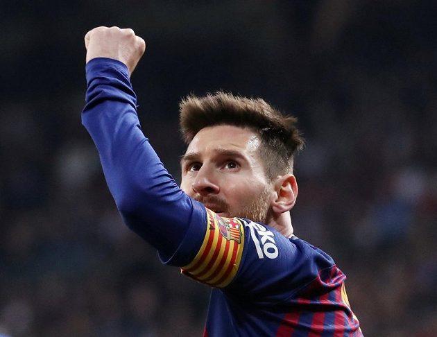 Barcelonská hvězda Lionel Messi po triumfu na půdě Realu Madrid.