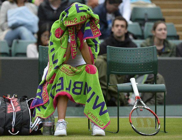 Petra Kvitová během utkání 3. kola Wimbledonu.