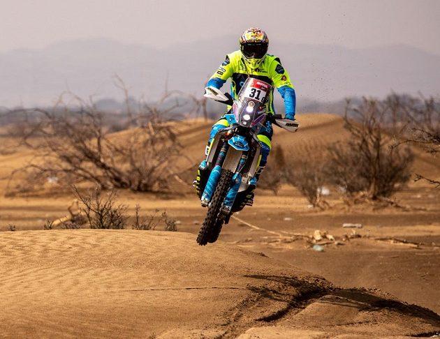 Motocyklista Martin Michek ve 2. etapě rallye Dakar 2021
