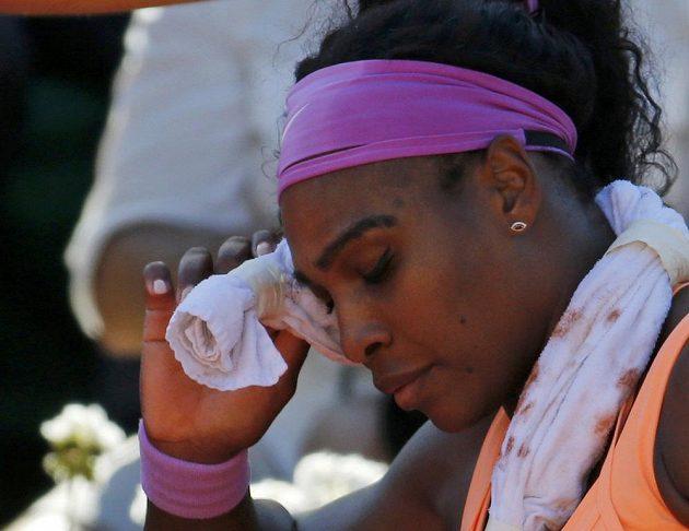 Američanka Serena Williamsová během přestávky mezi gamy.