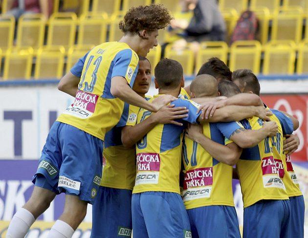 Radost teplických hráčů po vstřeleném gólu. Teplice v 5. kole první fotbalové ligy vyhrály nad Jihlavou nakonec 3:1.