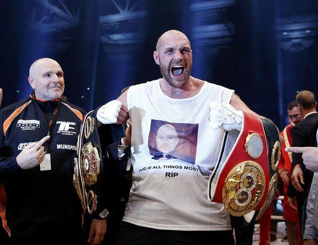 Tyson Fury slaví velký triumf!