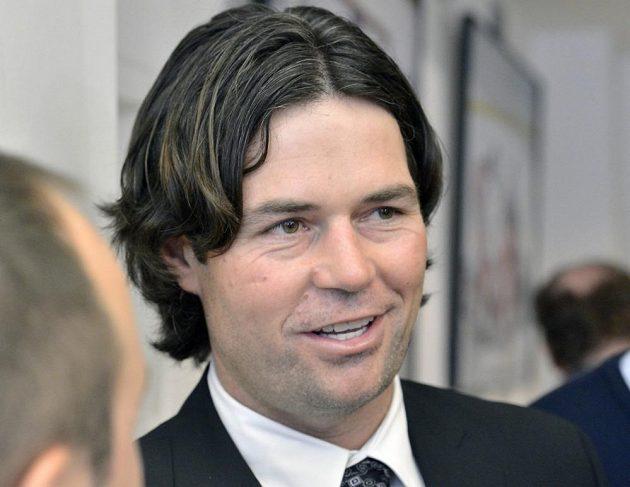 Olympijský vítěz z Nagana Robert Lang odehrál v NHL 989 zápasů.