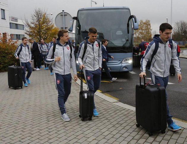 Česká fotbalová reprezentace vyrazila ma přípravný turnaj do Dauhá.