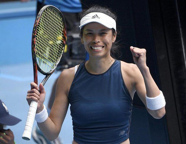 Šťastná tenistka Sie Šu-wej z Tchaj-wanu.