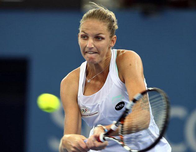 Česká tenistka Karolína Plíšková v duelu s Ruskou Allou Kudrjavcevovou.