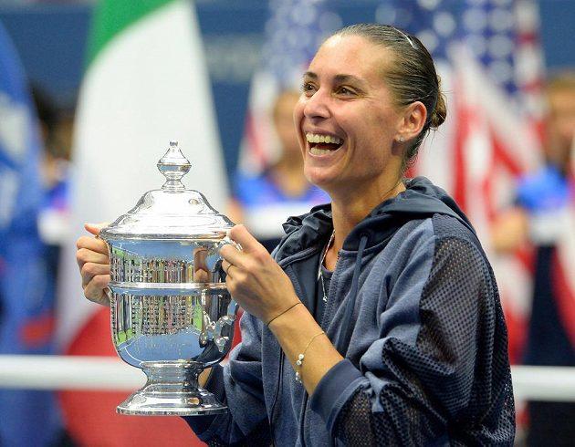 Flavia Pennettaová je v 33 letech nejstarší vítězkou premiérového grandslamového titulu v takzvané open éře.