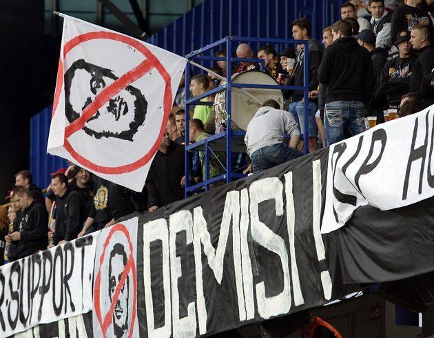 Kotelníci Sparty pojali utkání s Karvinou jako protest proti vedení klubu.