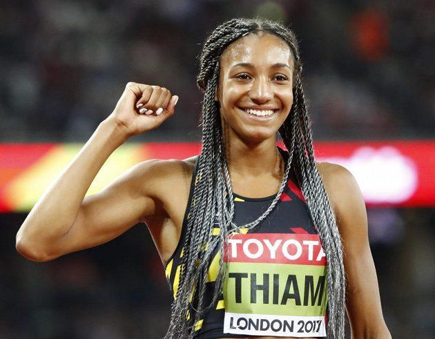 Belgičanka Nafissatou Thiamová přidala v Londýně k olympijskému zlatu i titul mistryně světa v sedmiboji.