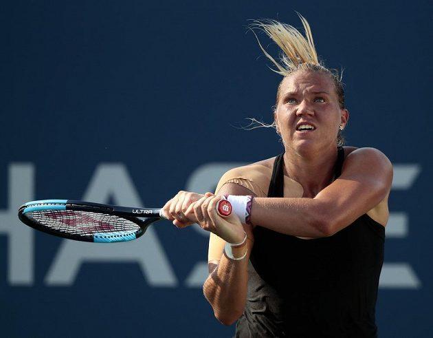Estonská tenistka Kanepiová během zápasu s Darjou Kasatkinovou z Ruska.