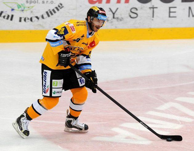 Litvínovský útočník Viktor Hübl v zápase se Spartou.