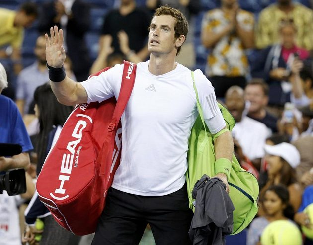 Brit Andy Murray se loučí s US Open, ve čtvrtfinále nestačil na Srba Novaka Djokoviče.