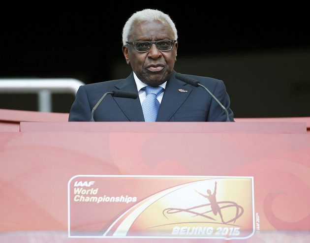Bývalý prezident IAAF Lamine Diack při MS v Pekingu v roce 2015.