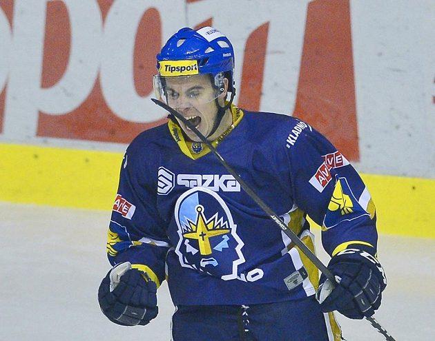 Michal Dragoun z Kladna se raduje ze vstřelení gólu do sítě Plzně.