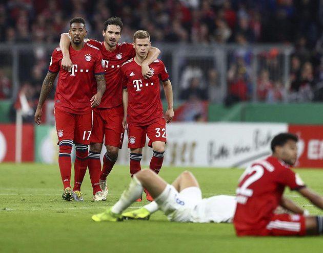 Fotbalisté Bayernu Mnichov až po velkém boji postoupili do semifinále Německého poháru. Bavorský favorit v dramatickém čtvrtfinálovém utkání doma v dlouhém oslabení udolal druholigový Heidenheim 5:4.