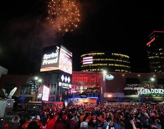 Kanasas City na nohou. Slaví se triumf v Super Bowlu.