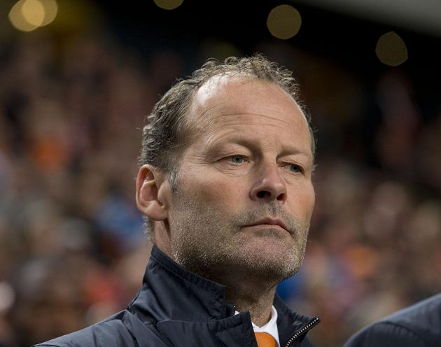 Nizozemský kouč Danny Blind během utkání s Českem v Amsterdamu.