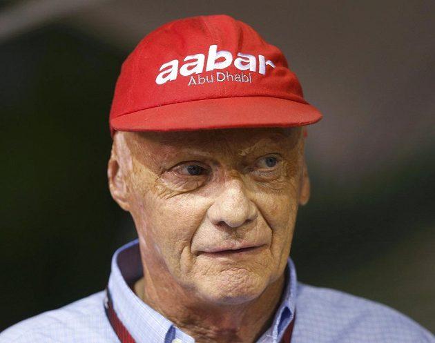 Legendární Niki Lauda během nedávné Velké ceny Singapuru.