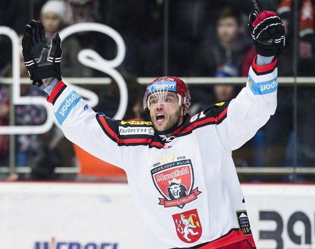 Královéhradecký útočník Roman Kukumberg se raduje z gólu proti Mladé Boleslavi.