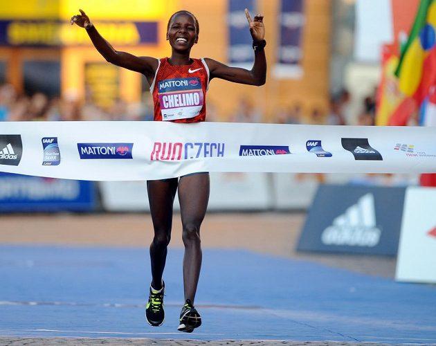 Rose Chelimová z Keni vyhrála českobudějovický půlmaratón.