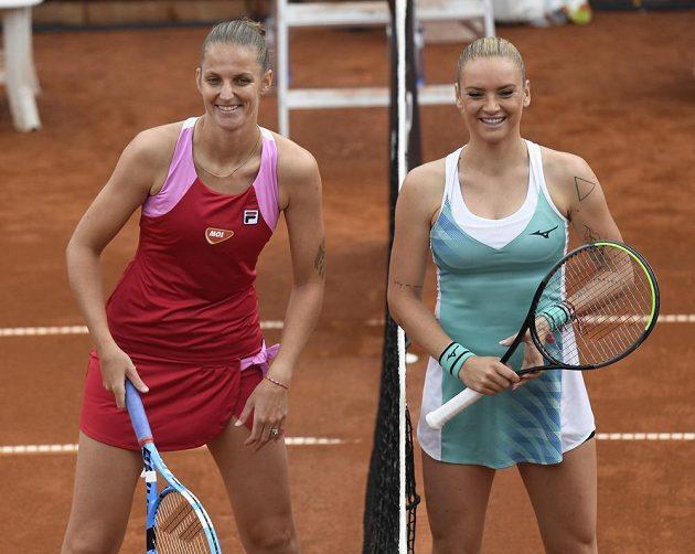 Finalistky tenisového turnaje žen LiveScore Cup - Karolína Plíšková (vlevo) a Tereza Martincová.