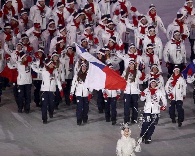 Eva Samková přivedla českou výpravu na olympijský stadión.