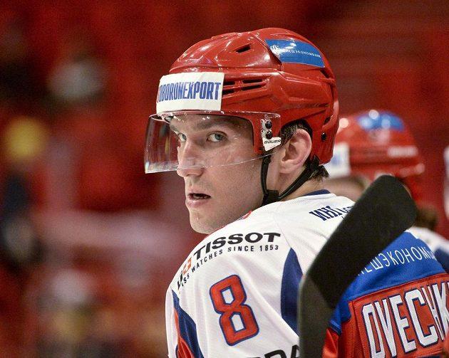 Kapitán Ruska Alexander Ovečkin v utkání s Českou republikou na Švédských hrách.
