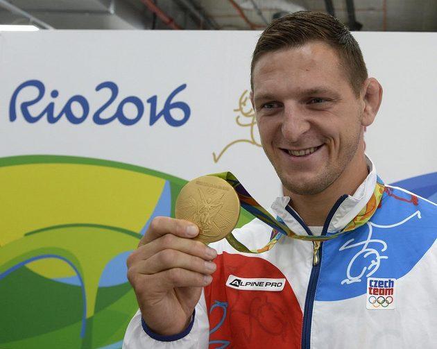 Judista Lukáš Krpálek se zlatou olympijskou medailí z Rio de Janeira.