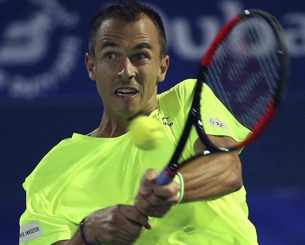 Lukáš Rosol při utkání s Tomášem Berdychem v Dubaji.